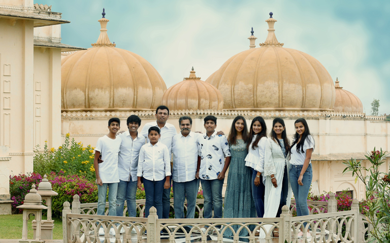 families best photoshoot in udaipur